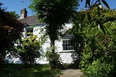 Trythance Farm Cottage - Holiday Cottage - 7.5 miles E of Mullion