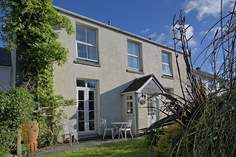 Trythance House - Holiday Cottage - 1.7 miles N of Coverack