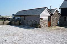 Little Barn at White Gates - Holiday Cottage - 5.7 miles W of Falmouth