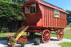 Jinka's Wagon Sleeps 2, 5.3 miles NW of Looe.
