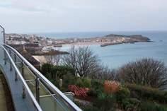 Woolf Sleeps 5 + cot, St Ives.