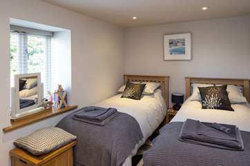 The twin room has two 3' single beds.