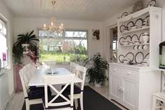 Antron Sleeps 4 + cot, 3.9 miles S of St Ives.