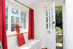 September Cottage - Holiday Cottage - 2.8 miles NW of Weymouth