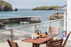 Guinevere - Holiday Cottage - 1 mile SW of Mullion