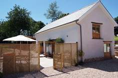 The Cow Shed - Holiday Cottage - 4.3 miles N of Okehampton
