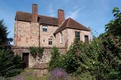 Castle House - Holiday Cottage - Taunton