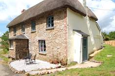 Birdsong Cottage Sleeps 2 + cot, 6.9 miles N of Okehampton.