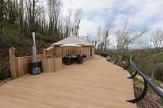 Woodpecker Cedar Yurt sleeps Sleeps 5 + cot, 2.2 miles NW of Dartmouth.