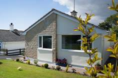 Kololo Sleeps 3 + cot, 3 miles E of Helston.
