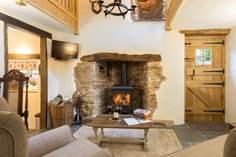 Pitt Farm Cottage Sleeps 2 + cot, 4.5 miles E of Dulverton.