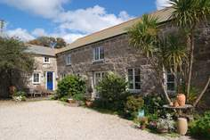Boskenna Coach House - Holiday Cottage - 1.7 miles W of Lamorna Cove