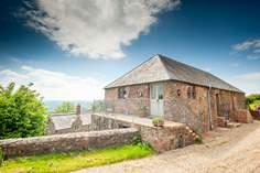 Tilbury Cottage sleeps Sleeps 2 + cot, 6.8 miles NW of Taunton.