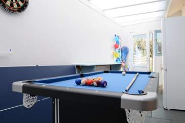 The garden-room is not heated but gives lots of extra storage space and room for children to play. maybe a family pool challenge.