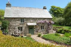 Lavethan Mill Cottage Sleeps 4 + cot, 6.1 miles E of Wadebridge.