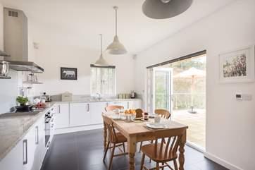 The fabulous kitchen/breakfast room.