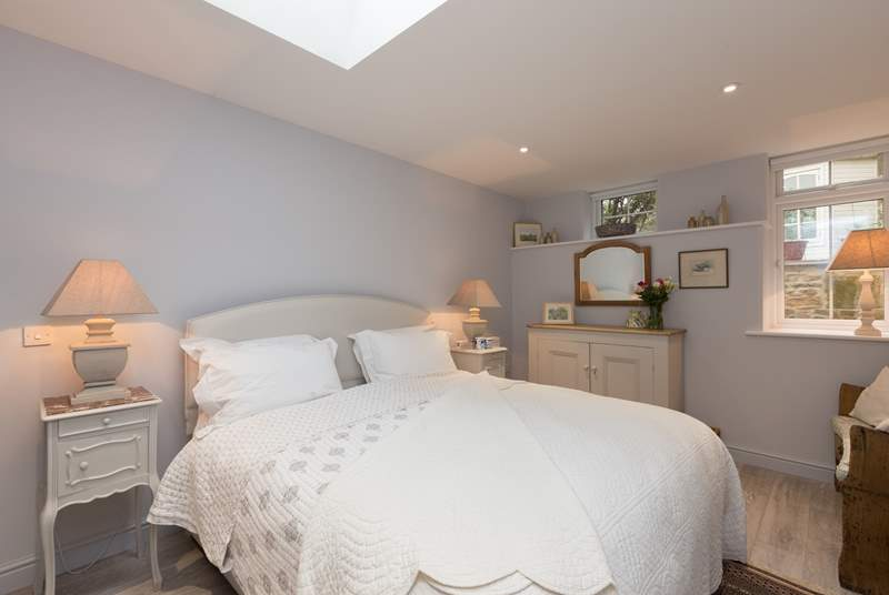 The bedroom has a wonderful superking sized bed. A perfect night's sleep is guaranteed.