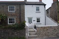 Thyme Cottage - Holiday Cottage - 4.1 miles NE of Marazion