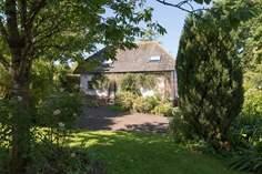 Little Barwick Cottage Sleeps 4 + cot, 1.6 miles E of Iddesleigh.