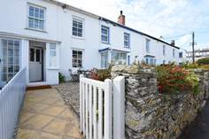 Number Four Sleeps 4 + 2 cots, Portscatho.