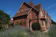1 Coastguard Cottages Sleeps 4 + cot, Minehead.