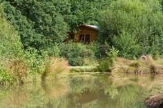 Roseland Valley Retreat sleeps Sleeps 6 + cot, 9.2 miles NE of St Mawes.