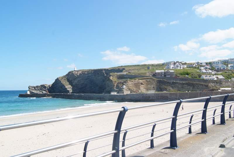 The fabulous family-friendly sandy beach at Portreath, great for sandcastles, sunbathing and popular with surfers.