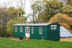 Shepherd's Sky Super Hut - Holiday Cottage - 5.9 miles SW of Tiverton