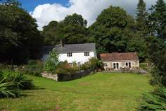 Hussey's Farm - Holiday Cottage - 4.6 miles E of Honiton