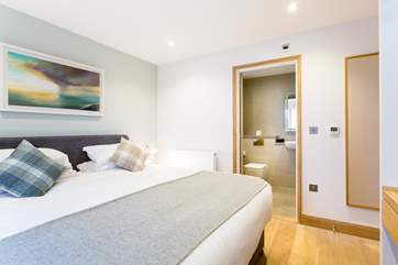 Each bedroom has an en-suite bathroom or shower-room.