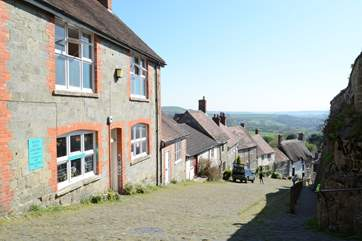 The historic Saxon town of Shaftesbury is a 5 minute drive, with a great selection of independent shops, cafes and restaurants.