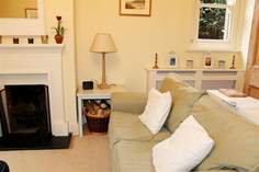 1 Astra House - Holiday Cottage - Seaview