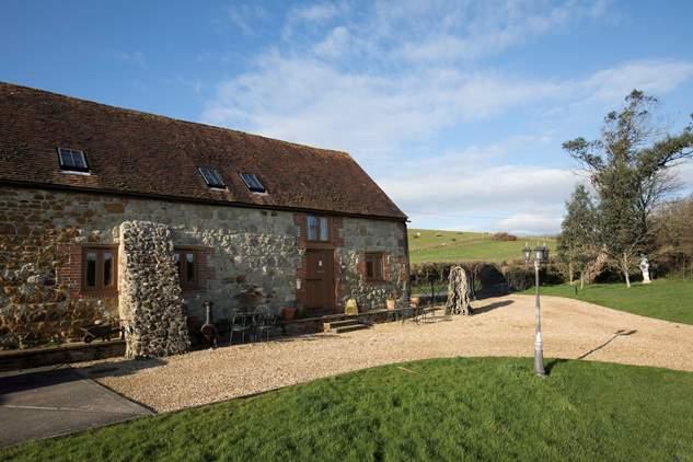 1 Bagwich Barn