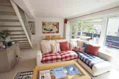 1 Harbour Strand - Holiday Cottage - Bembridge