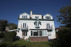 2 Bermuda - Holiday Cottage - Seaview