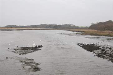 Have a walk along the causeway to the sailing town of Yarmouth