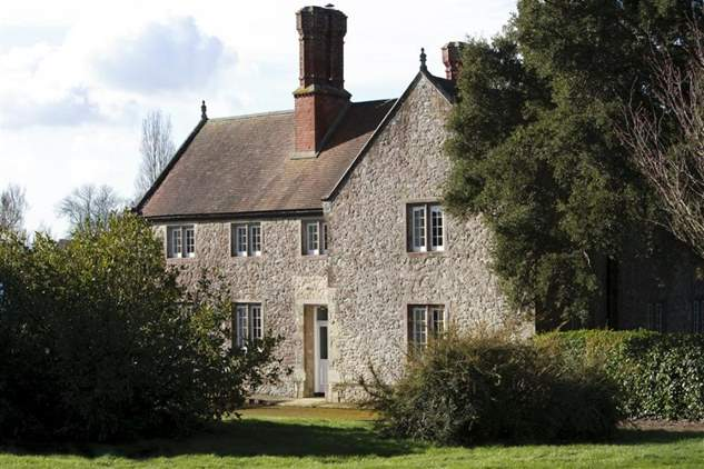 Barton Manor Farmhouse
