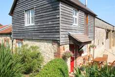 East Afton Farm Dairy - Holiday Cottage - 1.7 miles E of Freshwater