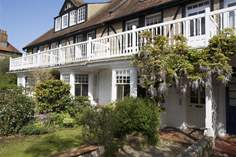 Junipers - Holiday Cottage - Seaview