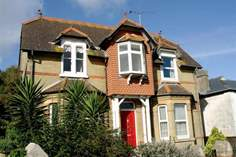 Red House - Holiday Cottage - Seaview