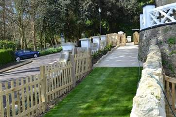 Shanklin Villa -  shared garden with play area