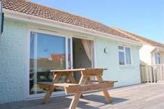 The Lobster Pot - Holiday Cottage - Seaview