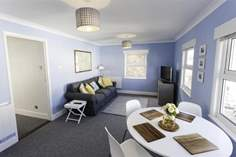 West Flatlet - Holiday Cottage - Seaview