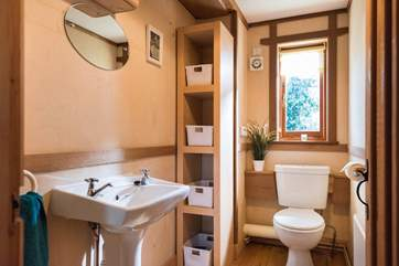The first floor cloakroom is next to the bedrooms, there is another bathroom in the ground floor studio with the Japanese bath.