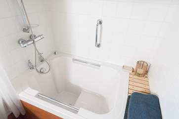 The Japanese style deep soaking tub is very relaxing at the end of a busy day.