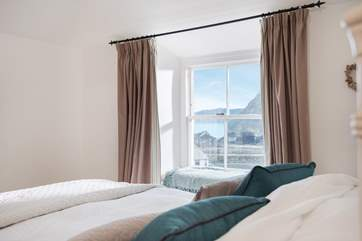 You can see the sea from bed!