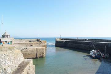 The narrow entrance to the tiny harbour.
