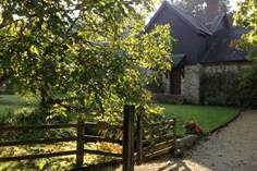 Barley House sleeps Sleeps 6 + cot, 1.5 miles SE of Colyton.