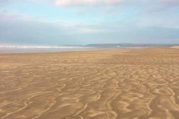 Westward Ho! has miles of sandy beaches at low tide. This is a Blue Flag beach. The far end past golf course is dog-friendly all year round.