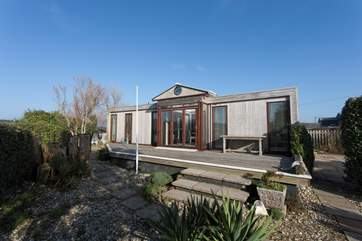 The Retreat is home to one double and one twin room, perfect for a quiet family holiday.